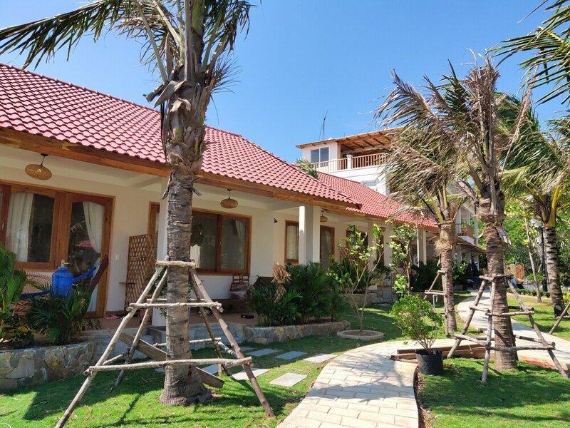 Naomi Resort