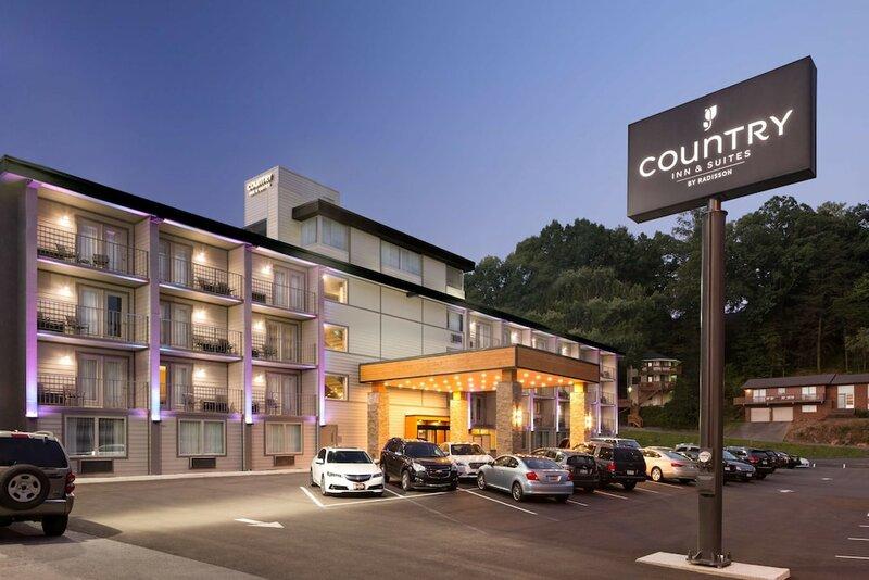 Country Inn & Suites by Carlson, Gatlinburg, Tn