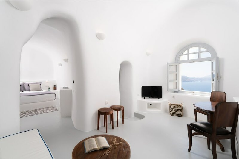 Oia Spirit Suites- Adults Only