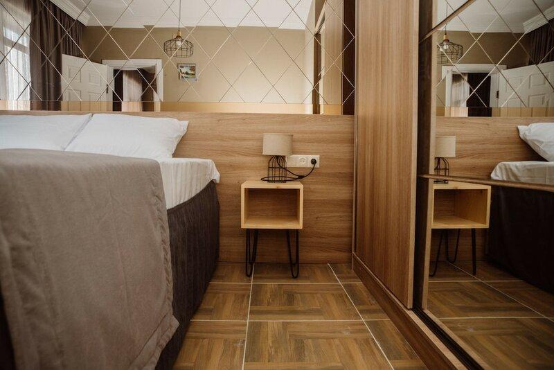 Отель Mandarin Gonio