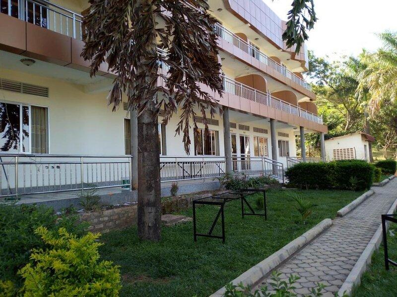 Court Lane Hotel