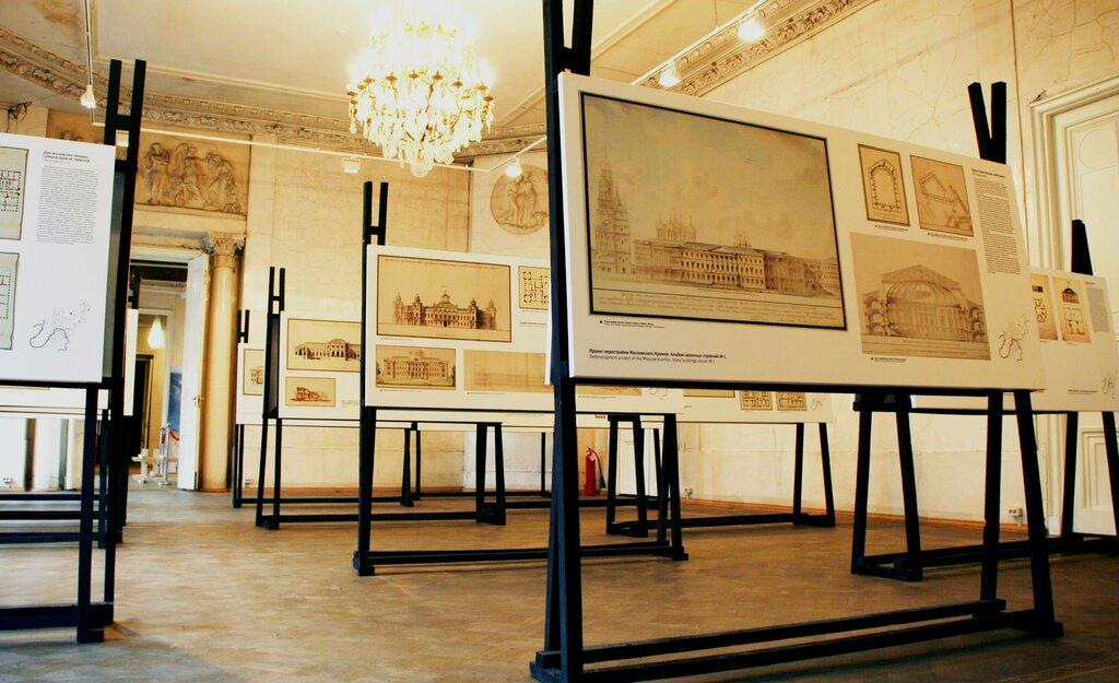книжный магазин — Магазин музея архитектуры имени А. В. Щусева — Москва, фото №2