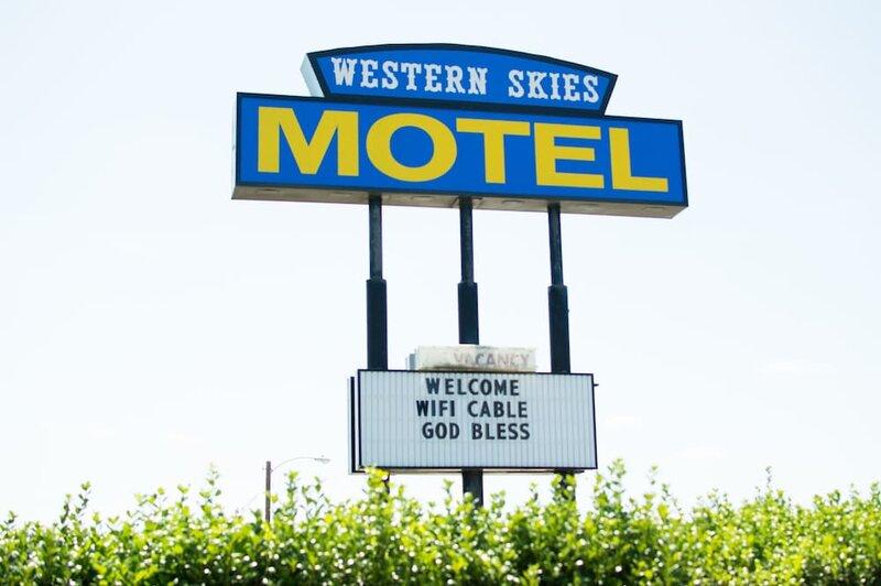 Western Skies Motel Clarendon