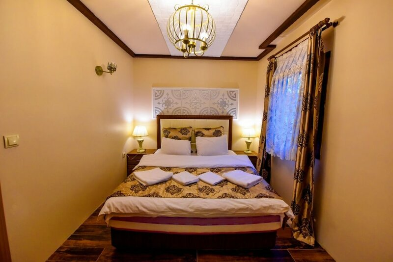 Ada Bungalow Hotel