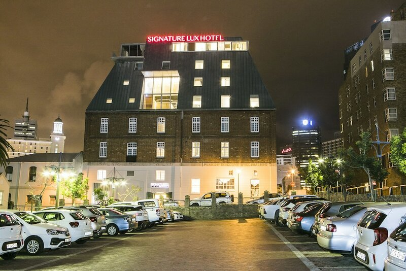 Signature Lux Hotel by Onomo Waterfront