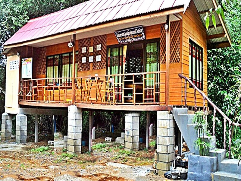 Khao Sok Island Resort and SPA