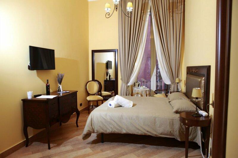 Lanfipe Palace Naples