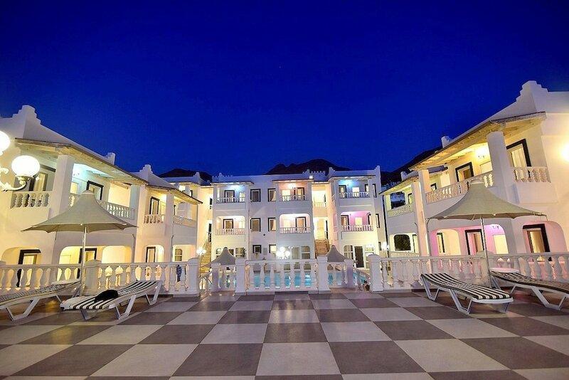 Bahama Art Hotel