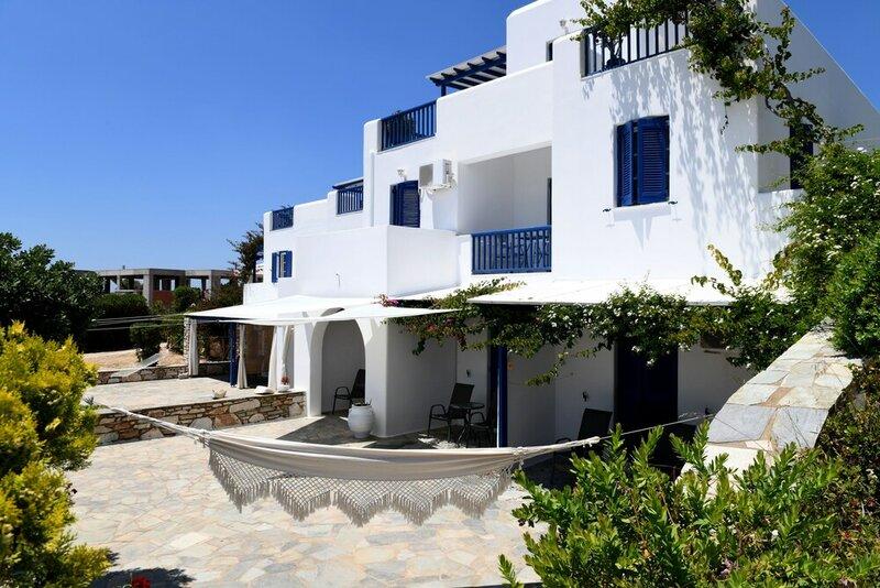 Dryades Family Hotel