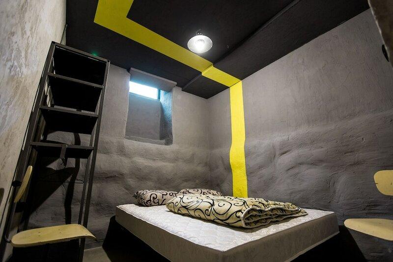 Хостел Lviv Loft Prison