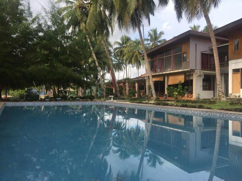 Baloho Beach Resort