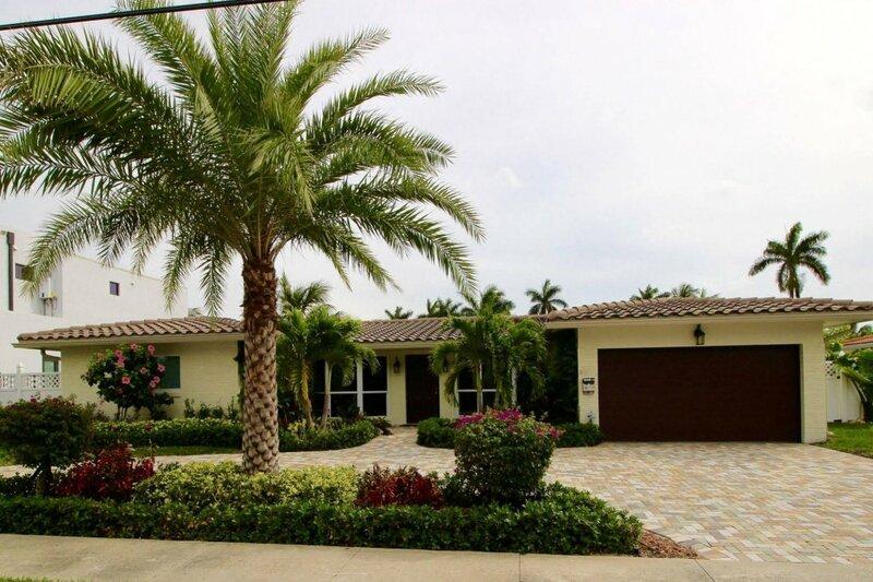 Palm Beach Canal Villas
