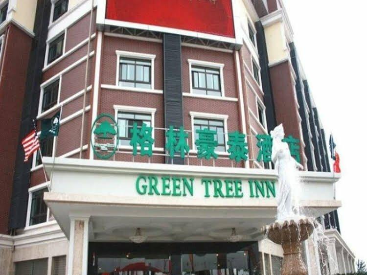 GreenTree Inn Jiangsu Yancheng Dongtai Jianggang Yingbin Road Gangcheng Avenue Business Hotel