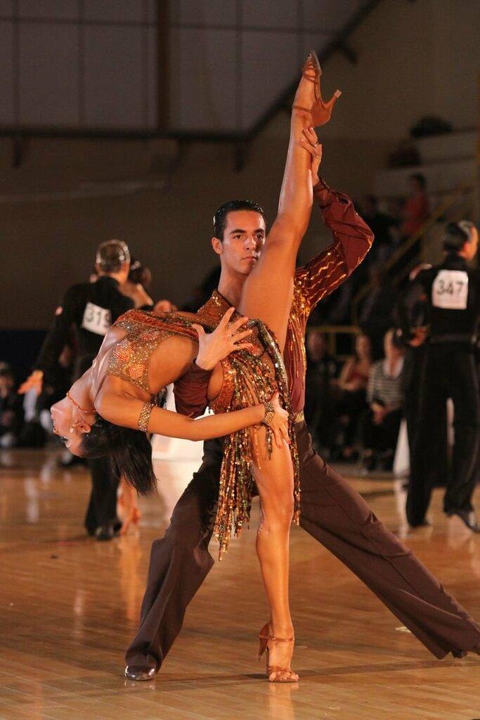 фото танцовщиц бальных танцев задумал этот