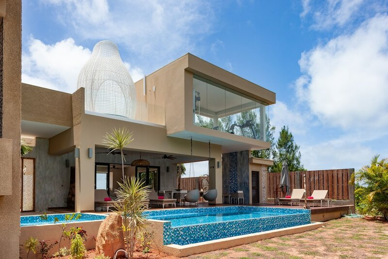 Le Duc Hillside Villas