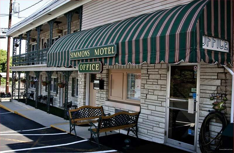 Simmons Motel