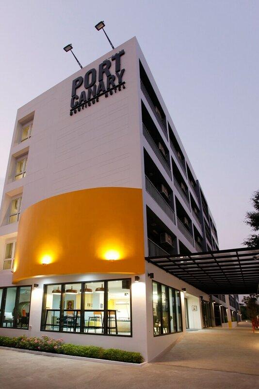 Port Canary Hotel