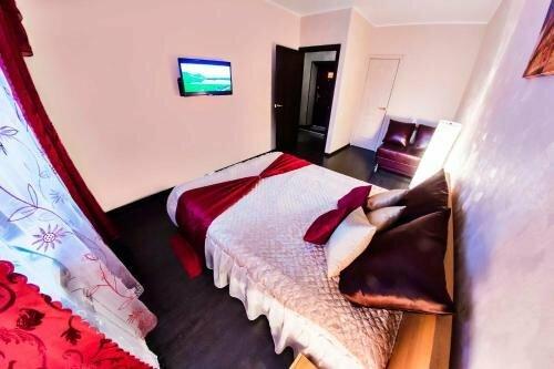 Home Hotel Na Ulitse Revolyutsii