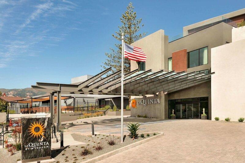 La Quinta Inn & Suites by Wyndham San Luis Obispo Downtown