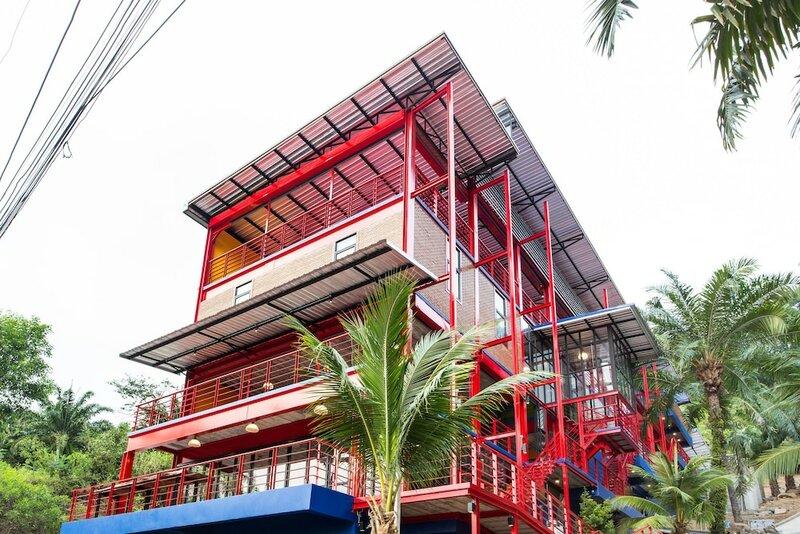 Khunsuek Muaythai Hostel