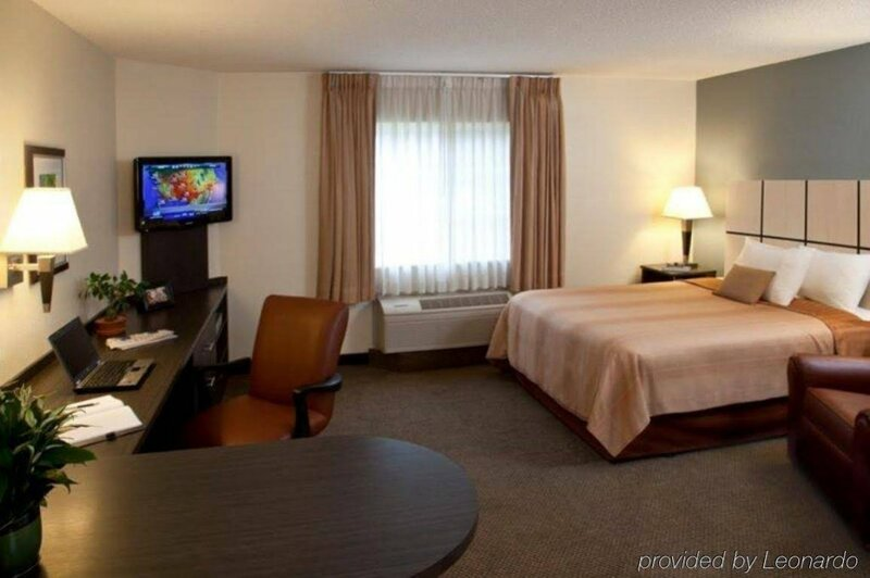 Sonesta Simply Suites Detroit Troy