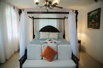 Firefly Beach Cottages and Suites