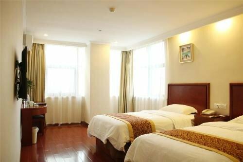 GreenTree Inn Shandong Heze Caoxian Zhuangzhai Town Oriental Times City Business Hotel