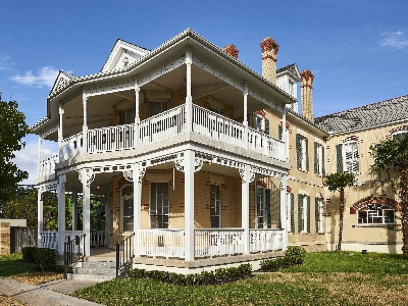 The Olivia Mansion