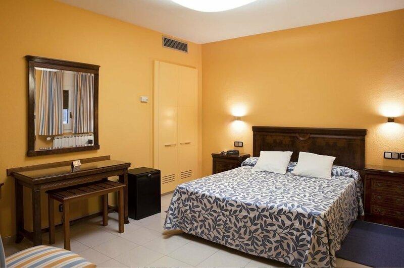 Rovira Hotel