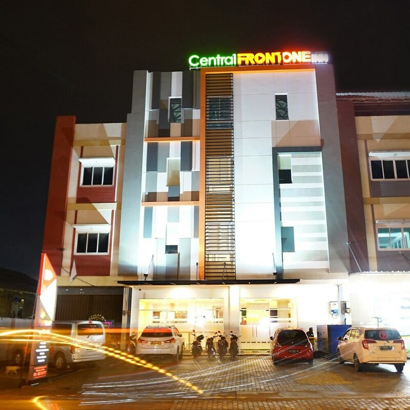 Central Front One Inn Jakarta Airport