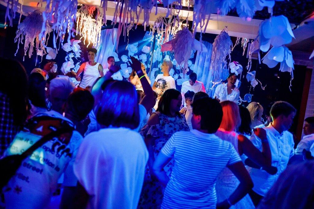 Москва клуб для лизбиянок ночные клубы санкт петербурга для взрослых