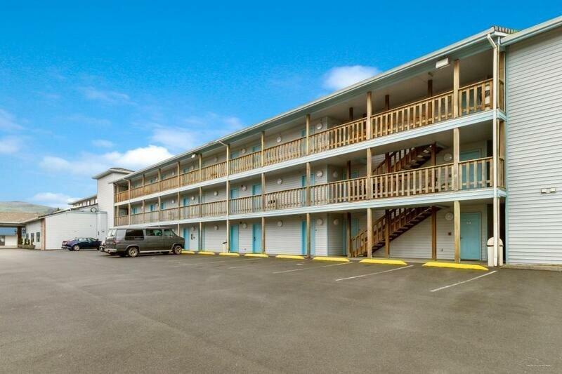 Red Lion Inn & Suites Seaside