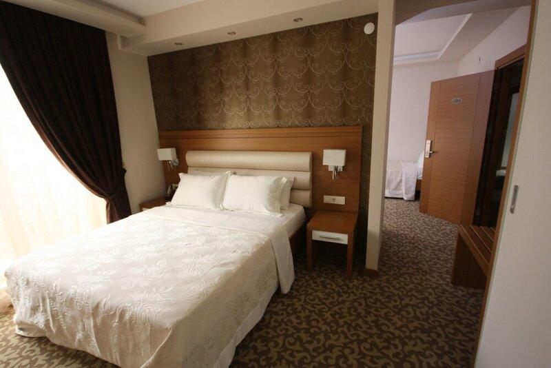 Rich Royal Hotel