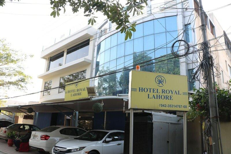 Отель Royal Lahore