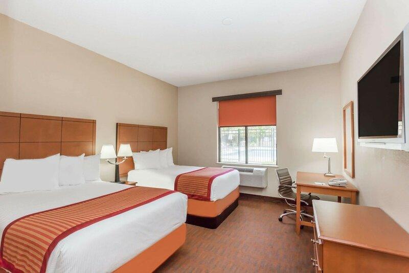 Baymont Inn & Suites Garden City/Savannah