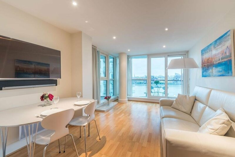 Stunning Flat Overlooking the Thames