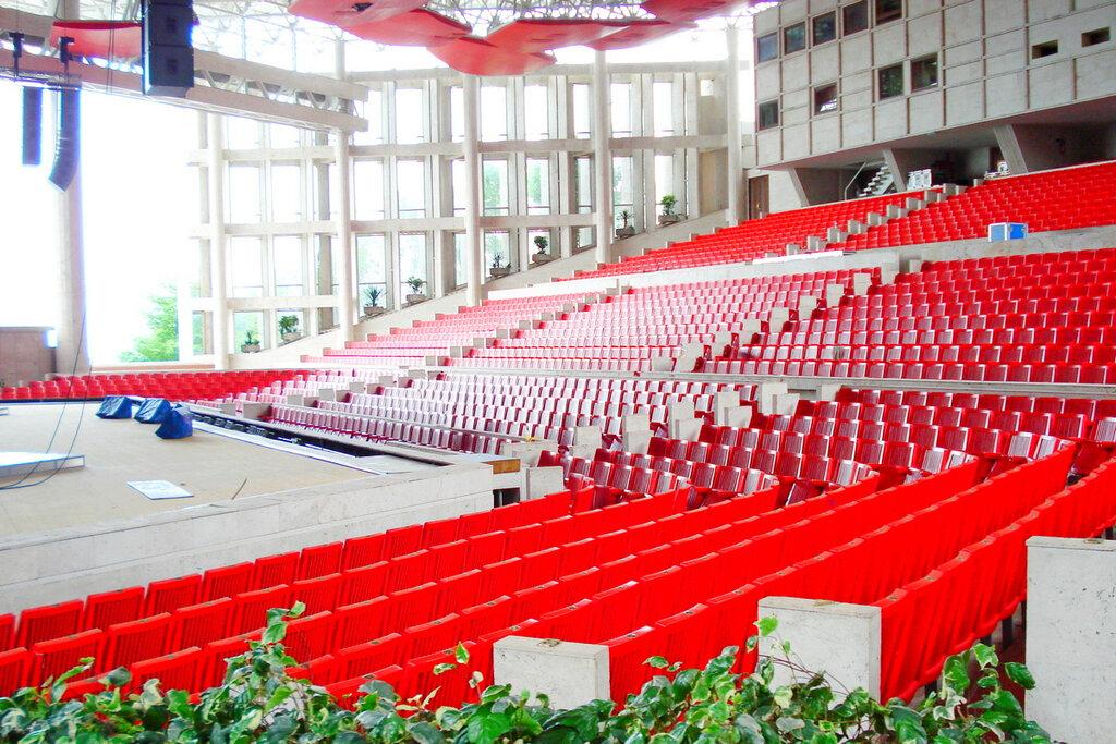 фестивальный концертный зал сочи фото зала она невелика, богата