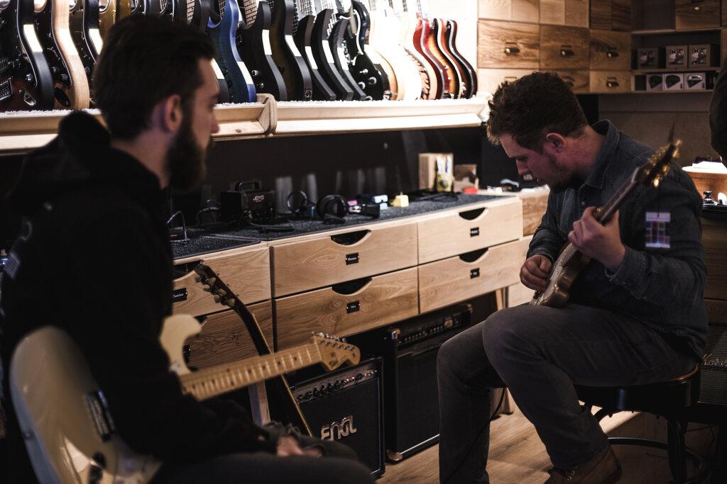 Любители гитары клубы в москве москва клуб ниагара