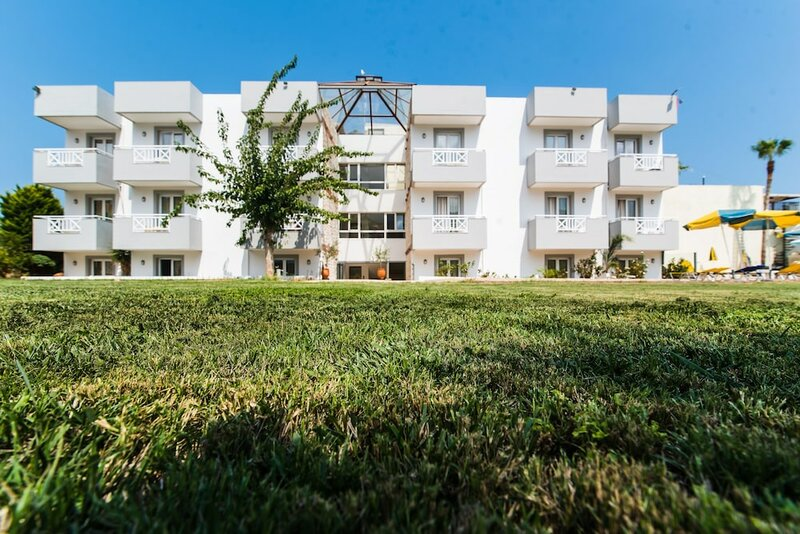 Vagelis Apartments