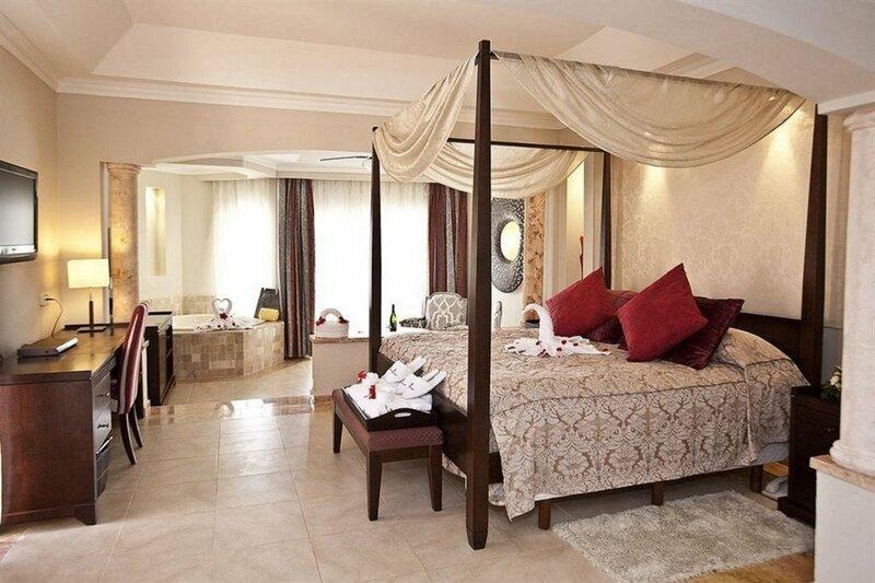 Majestic Colonial Club - Junior Suite