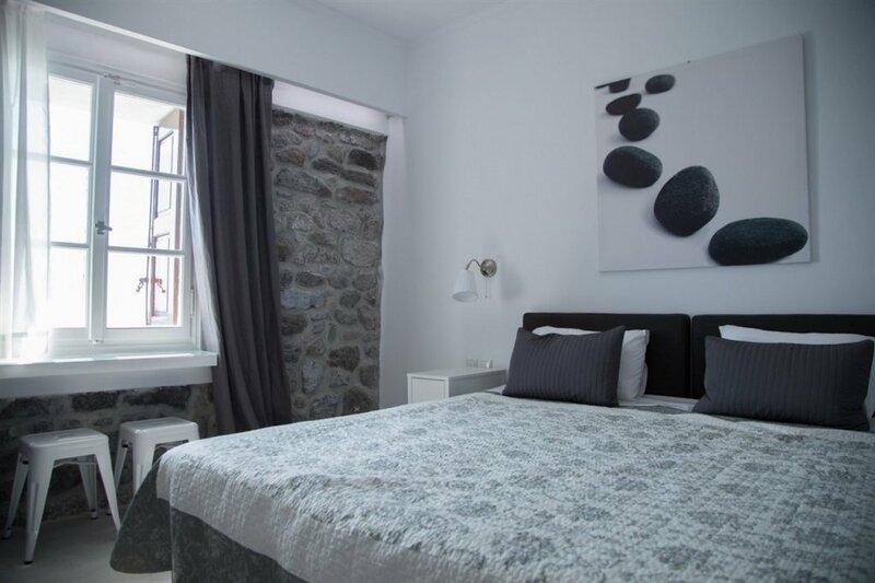 Olive Press Hotel & Apartments