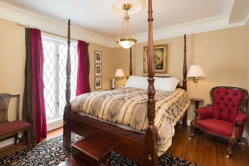 English Bay Inn Bed and Breakfast
