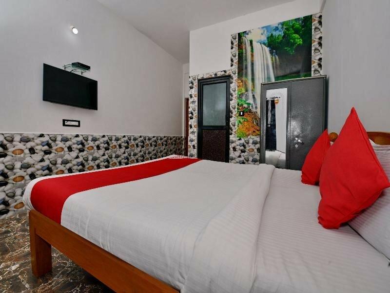 Oyo 10809 Hotel Tushar Inn