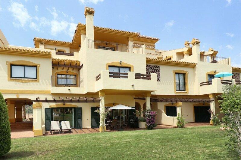 Апарт-отель Montemares Golf Luxury