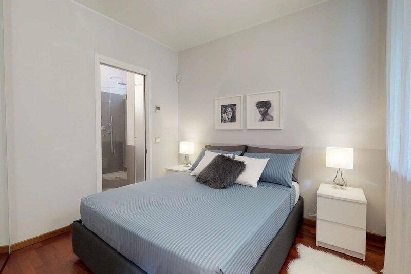 Design Apartment Near Duomo Square