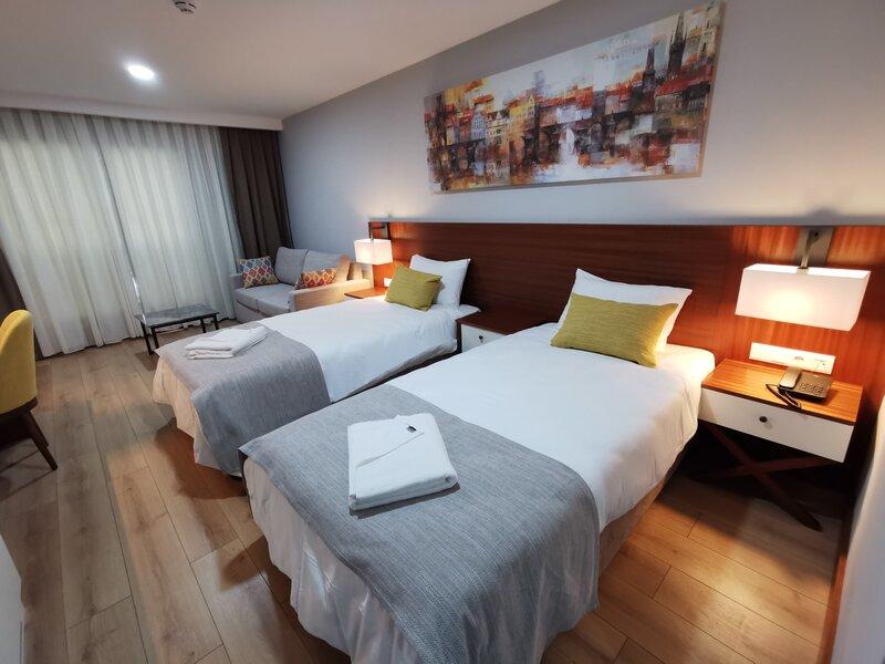 Ada Hotel