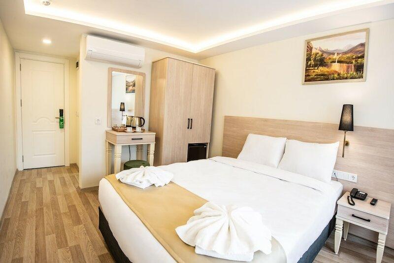 Royal Bosphorus Hotel