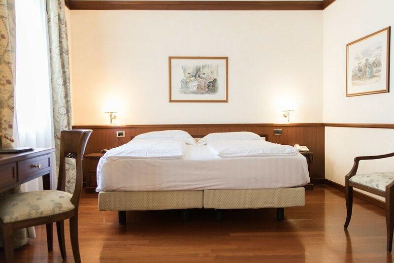 Phi Hotel dei Medaglioni