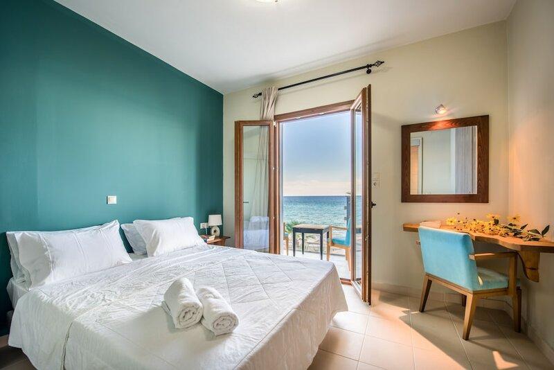 Porto Zorro Beach Hotel