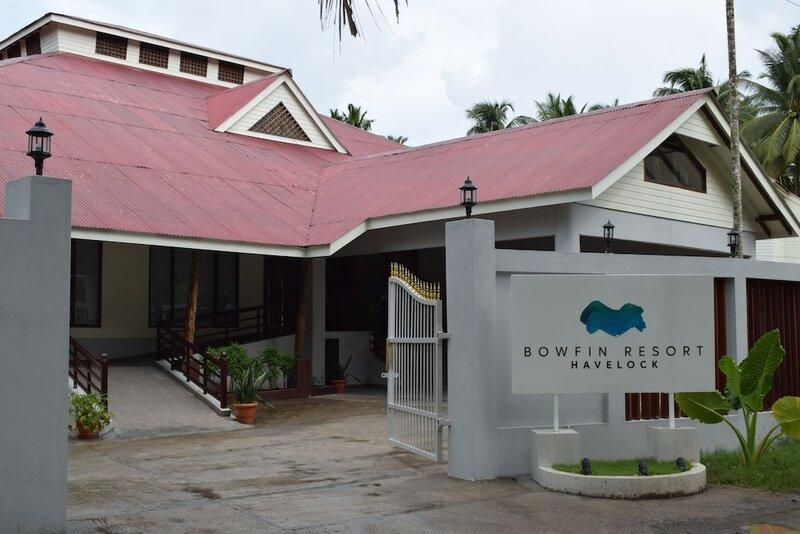 Bowfin Resort